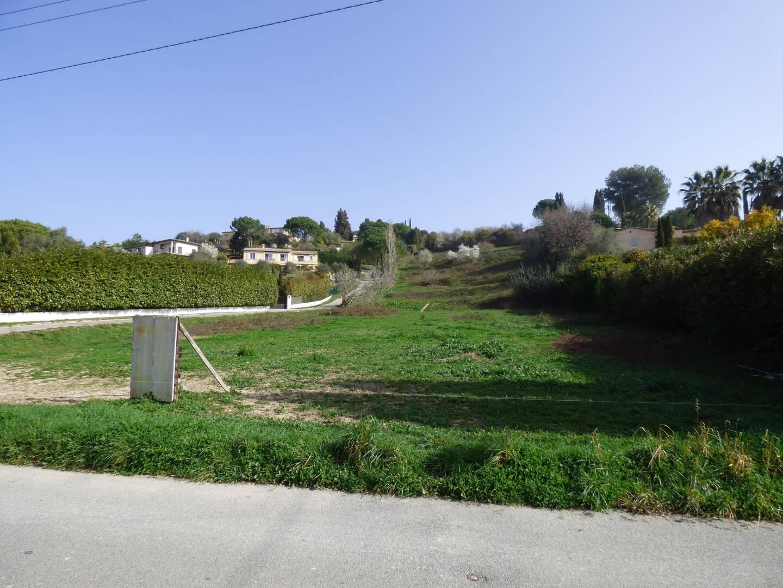 """Le """"terrain Bonnier"""" acheté par l'EPF pour y construire des logements sociaux sera finalement racheté par la commune, qui le revendra ensuite aux enchères."""