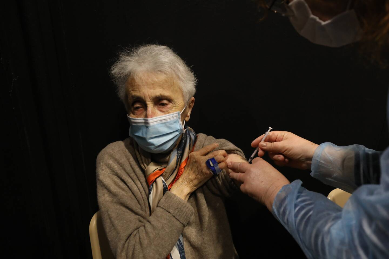 Raymonde, 89 ans, s'est faite vacciner ce jeudi, au palais Nikaïa.