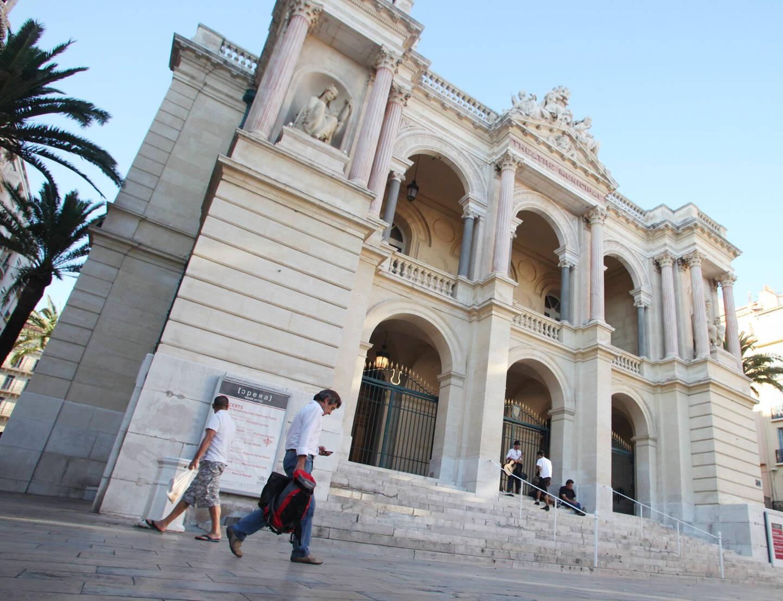 Le suspect a été interpellé près de l'opéra à Toulon.