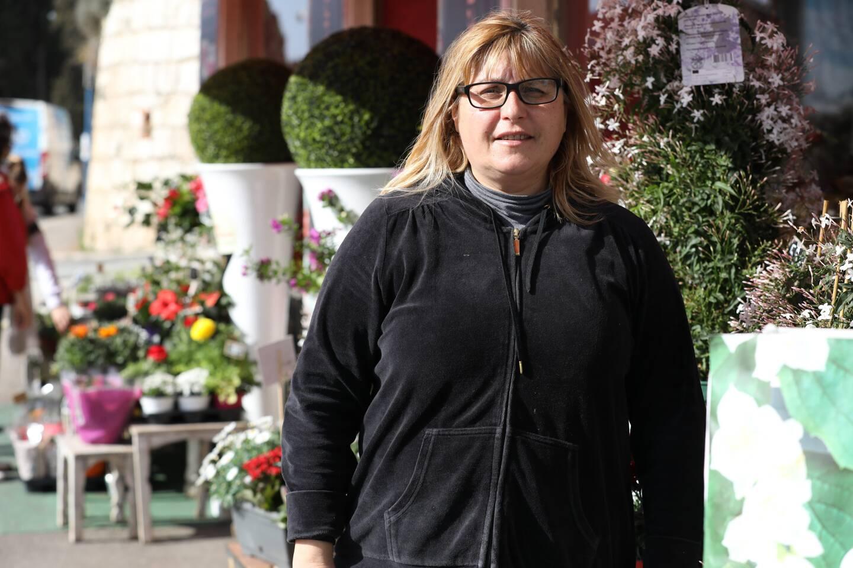 """Nicole Bravi est satisfaite: grâce au """"click and collect"""", la fête des grands-mère est sauvée..."""