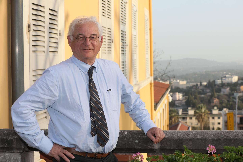 Membre fondateur, Éric Fabre compte se faire entendre auprès des instances avec un leitmotiv : empêcher la création d'une trajectoire au-dessus du pays grassois. (Photo Patrice Lapoirie)
