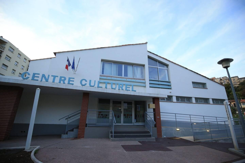 Le centre culurel de Cagnes sera-t-il repris par des profs qui y travaillaient?