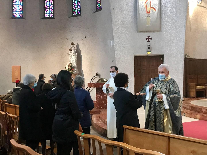 D'abord interdites, les messes dominicales ont finalement été autorisées dans les 63 communes confinées des Alpes-Maritimes.