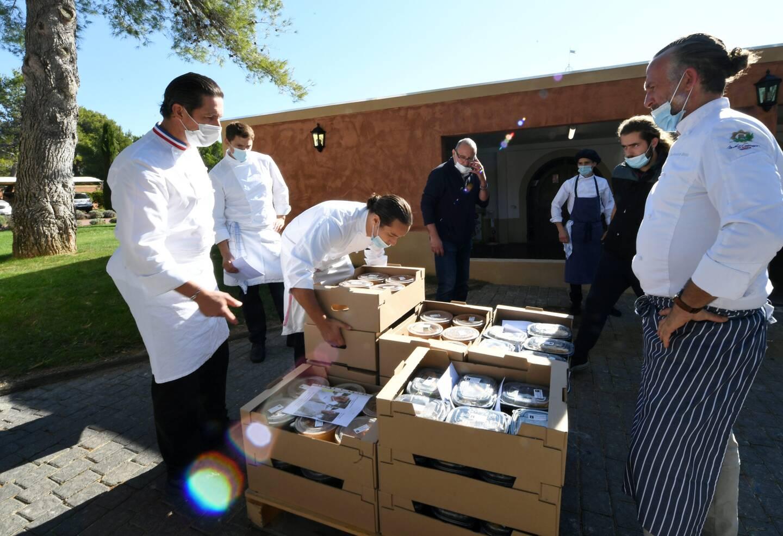 En octobre, à l'initiative du chef étoilé castellan, vingt-cinq cuisiniers de la région s'étaient réunis pour réaliser 3.400 plats pour les sinistrés de la Roya.