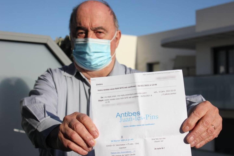 André Mouis et d'autres Antibois sont venus au centre de vaccination… pour rien.