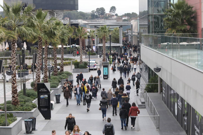 La préfecture a indiqué que la demande du centre commercial était en cours d'analyse.