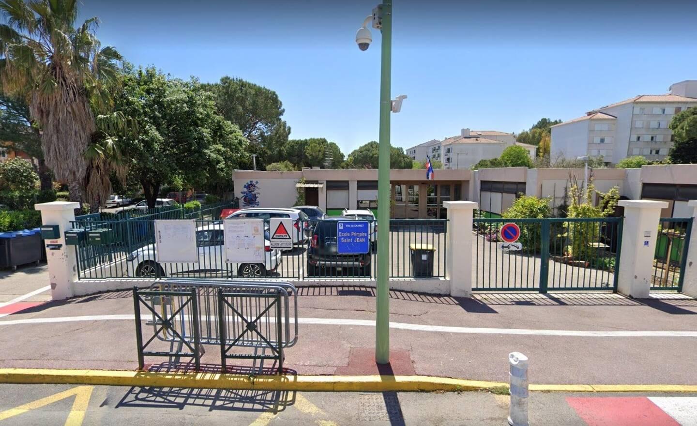 Une note à destination des parents, l'école comptant 260 élèves, est actuellement diffusée pour obtenir leur approbation.