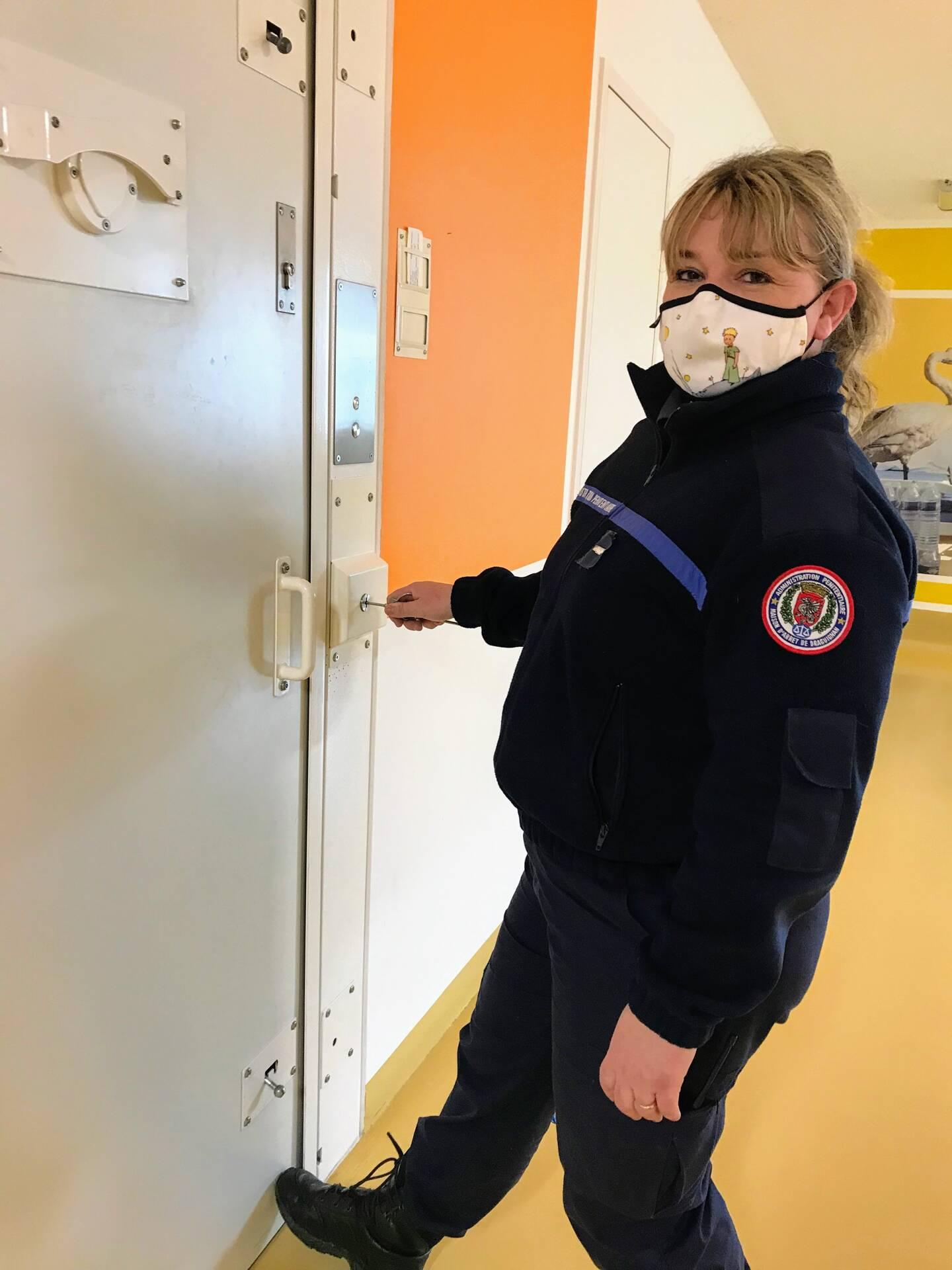 Sandrine , surveillante à la prison de Draguignan.