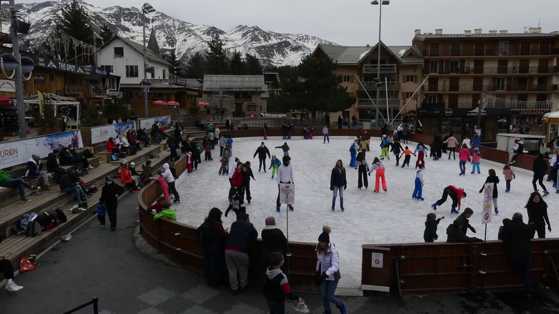 la patinoire d'Auron n'a pas désempli durant les vacances.
