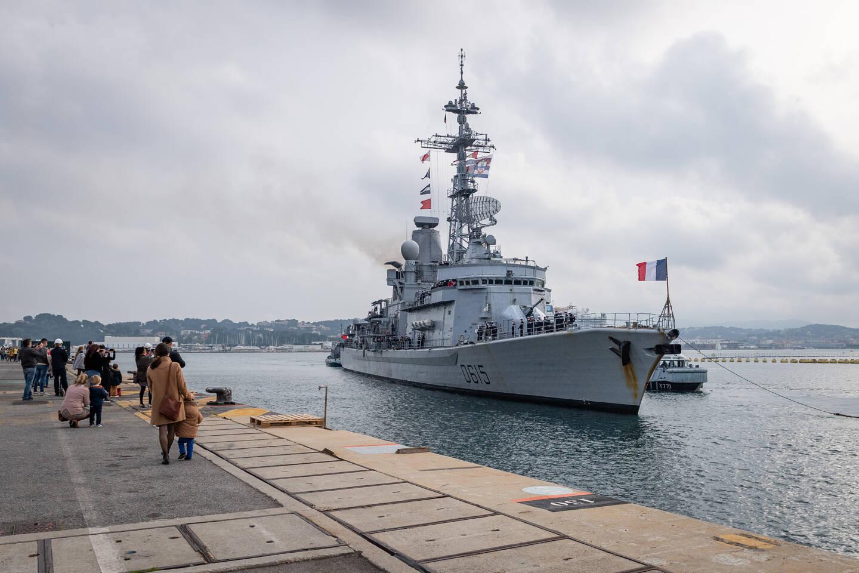 Longue de 139 mètres et commandée par le capitaine de vaisseau Ouk, la frégate a accosté la semaine dernière à Toulon, de retour de son ultime mission.