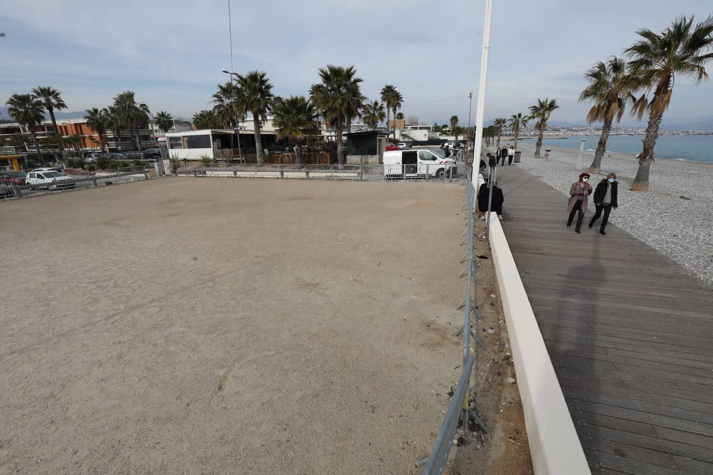 """La Ville souhaite donner une ambiance """"music-hall"""" à cette esplanade en y organisant des spectacles. La future esplanade Joséphine-Baker se situera au pied de la Marina, près du parking de la Fighière et du terrain de beach-volley."""