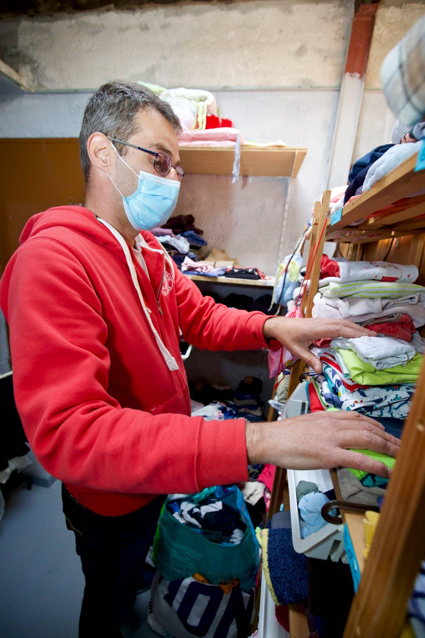 L'association permet également le don de vêtements.
