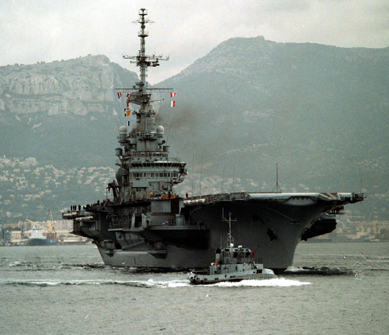 C'est en 2000 que le porte-avions Foch avait quitté Toulon et la France pour rejoindre le Brésil. Rebaptisé São Paulo, il va finalement être démantelé en Turquie.