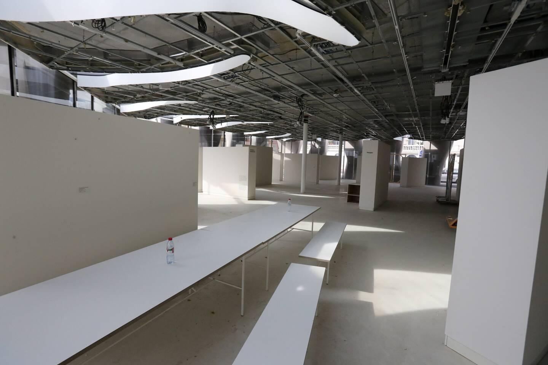 Le rez-de-chaussée, entièrement vide et privé de faux plafond.