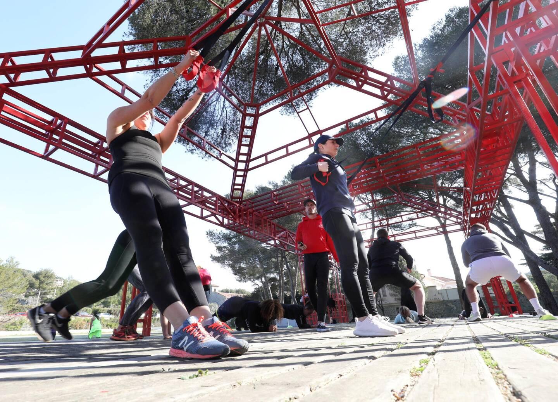 Au Dramont, en plein air, ces internautes passent des relations virtuelles aux activités physiques.