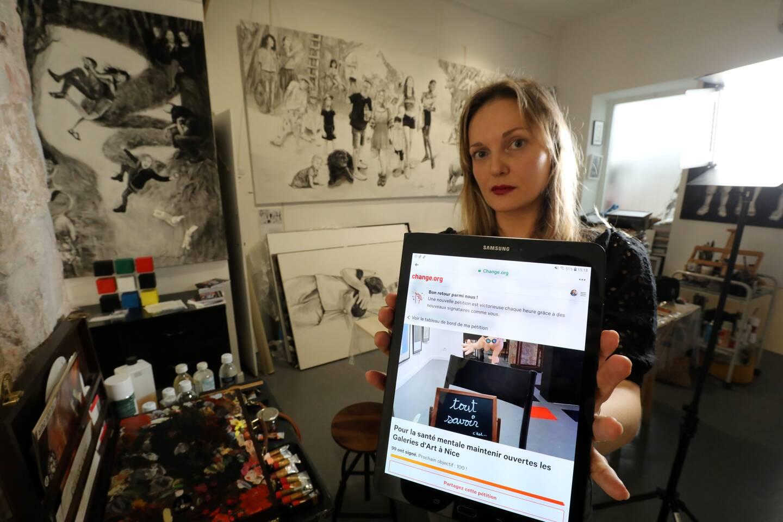 """""""Les gens ont besoin d'art et les artistes ont besoin d'exposer"""", défend Svetlà Marlier."""