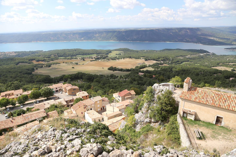 Autour du site emblématique du lac de Sainte-Croix (ici vu d'Aiguines), la communauté de communes Lacs et gorges du Verdon souhaite développer ses atouts touristiques.