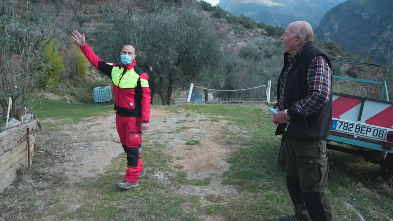 Wilfried Bricourt et Pierre, un sinistré du hameau de la Louba. (Photo DR)