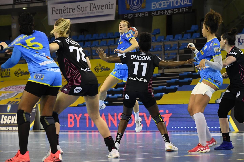 Toulon/Saint-Cyr et Anna Berger-Wierzba se sont imposées ce vendredi soir face à Fleury lors de la cinquième journée des play-downs de Ligue féminine de handball.