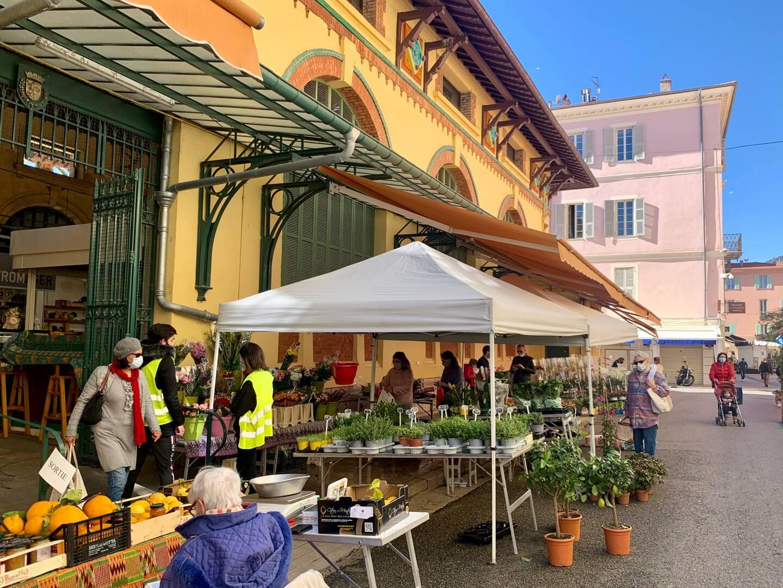 Le marché des halles de Menton.