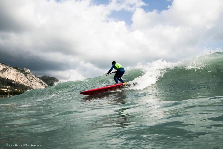 Menton, un bon spot pour les surfeurs, qui pourrait l'être encore plus.(Photos DR)