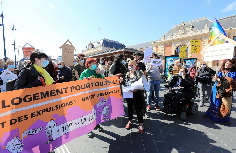 Le Droit au logement (Dal) était un des organisateurs de la manifestation, à Nice. (Photo François Vignola)