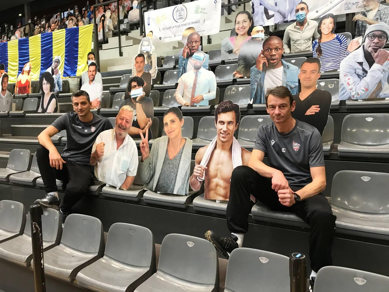 Luc Marquet, à droite sur la photo, va quitter l'AS cannes volley en fin de saison. (Photo R. K.)