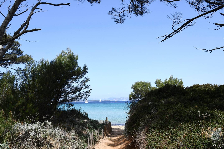 Île de Porquerolles ambiance du week-end de pâques avant le troisième confinement national.