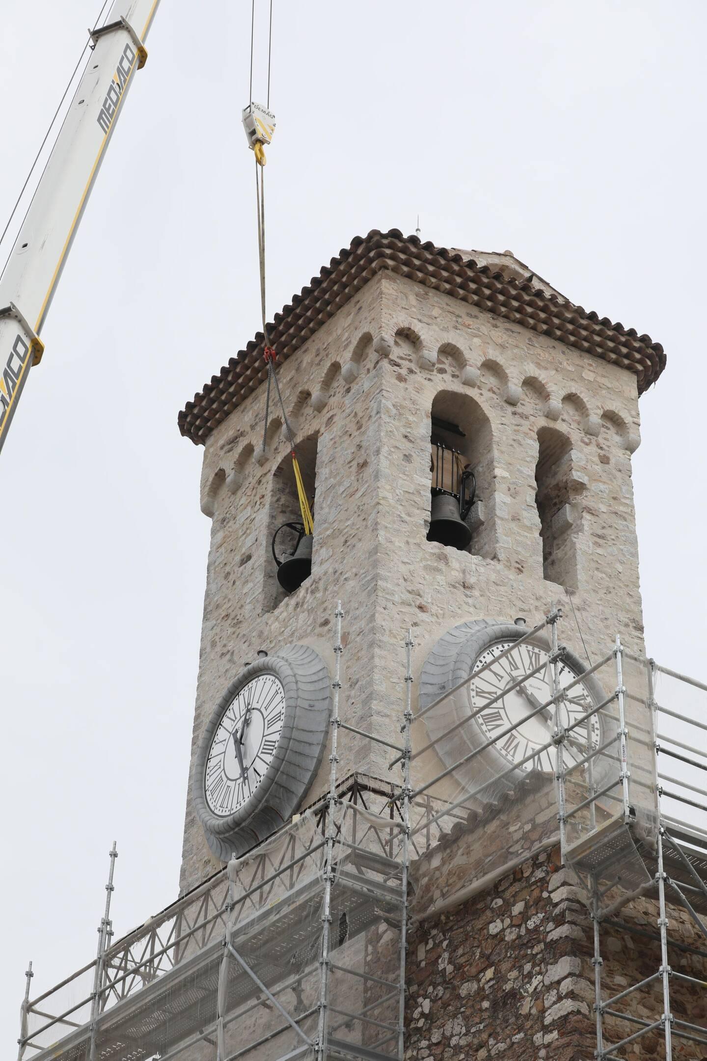 Après plusieurs mois de silence, elles ont retrouvé leur emplacement en l'église Notre Dame d'Espérance: les cloches du Suquet vont à nouveau sonner demain pour la messe pascale.