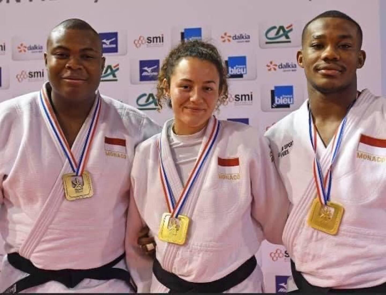 La championne de France Juniors en titre des moins de 63kg, ici aux côtés de Marvin Gadeau et Tizié Gnamien, ses partenaires du Judo Club Monaco, va en Russie pour prendre de l'expérience.