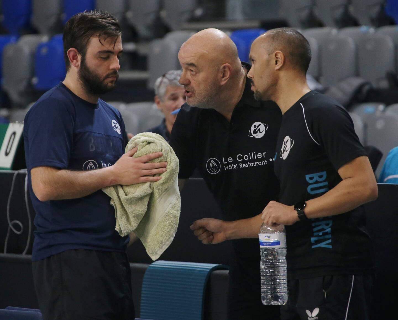 Bernard Grosso, au centre, se dit impatient pour son club.