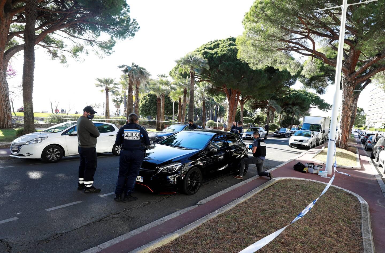 Jeudi, un Niçois de 24 ans avait forcé un barrage avant de rouler à vive allure sur la Croisette, à bord d'une Mercedes.