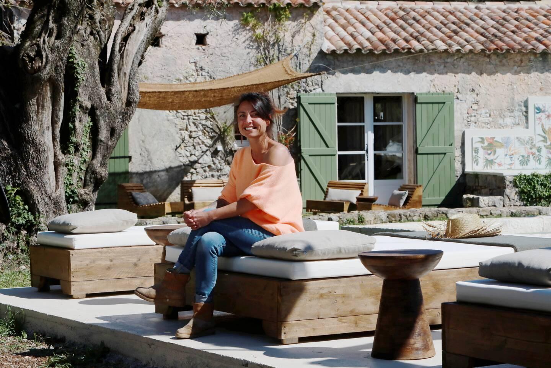 Céline, hôte de la Maison Mastrorelli.