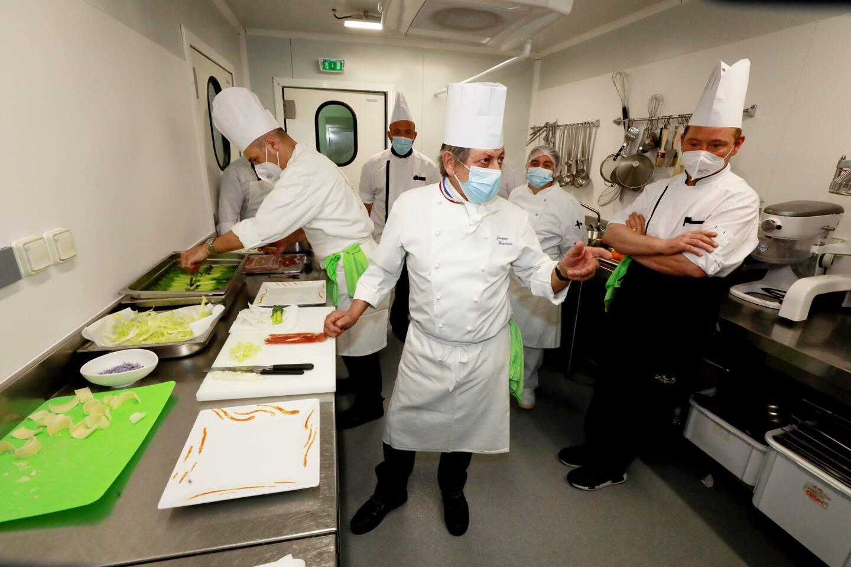 Opération dressage en cuisine.