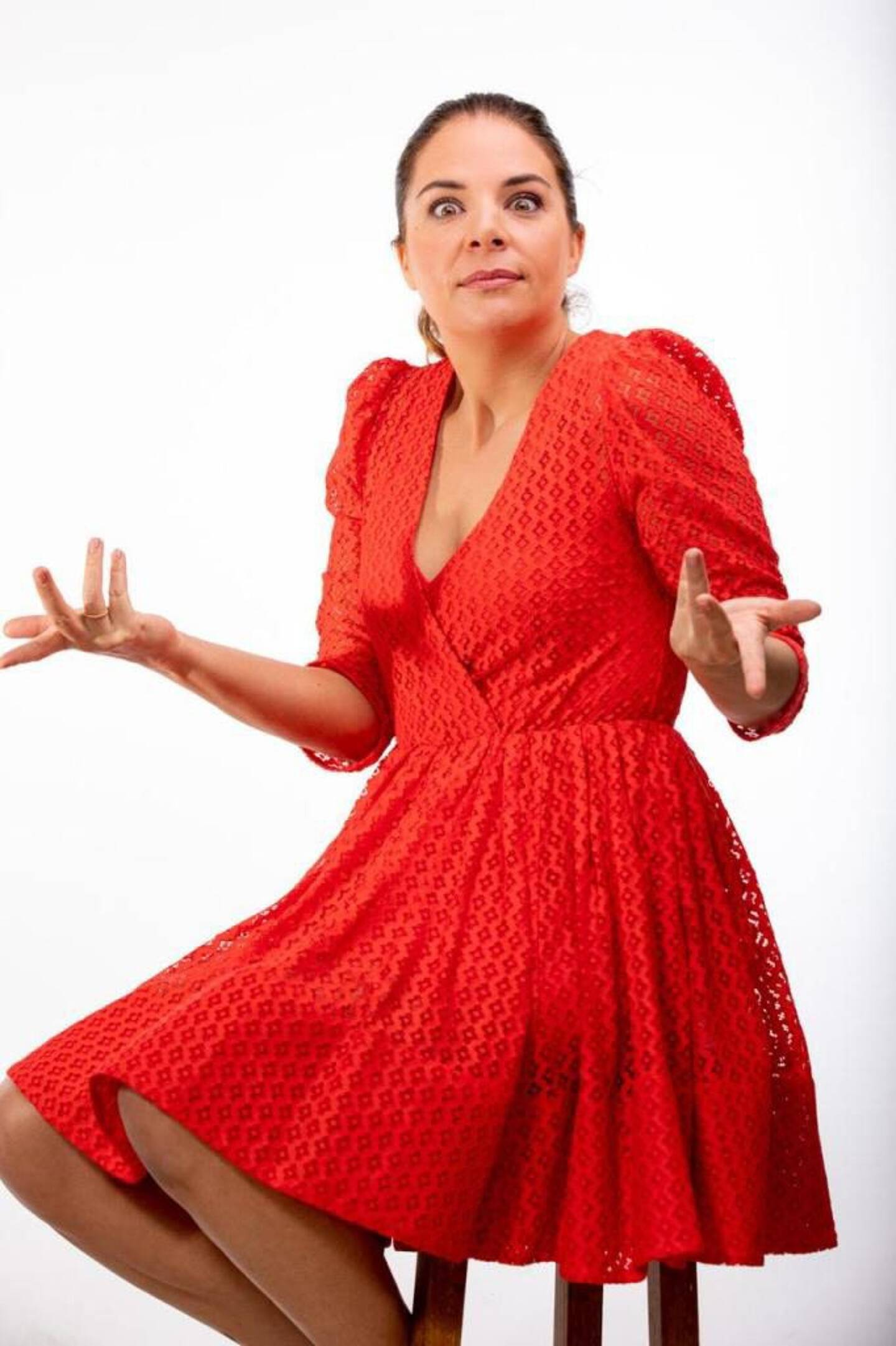 Olivia Correia dans sa robe carmin de La Rouge.