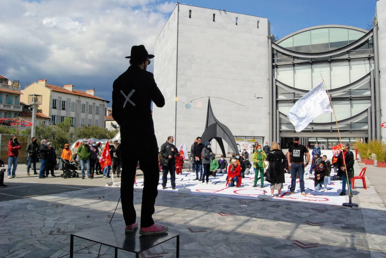 Ça fait 33 jours que le Théâtre national de Nice (TNN) est occupé.