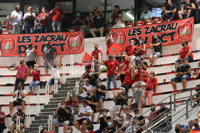 En attendant de se retrouver au stade, supporters et dirigeants prônent l'union sacrée.