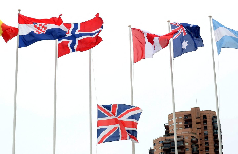 Samedi 17 avril 2021, au Rolex Monte-Carlo Masters à Roquebrune-Cap-Martin , avec le drapeau britannique en berne