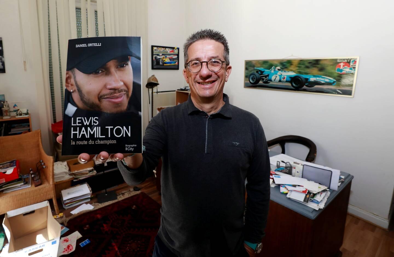 Quand Daniel Ortelli se lance sur les traces de Lewis Hamilton, ça fait 300 pages!