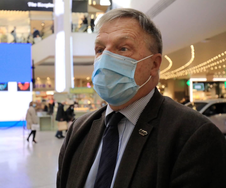 Le directeur du plus grand centre commercial des Alpes-Maritimes, suspendu à une date de réouverture.