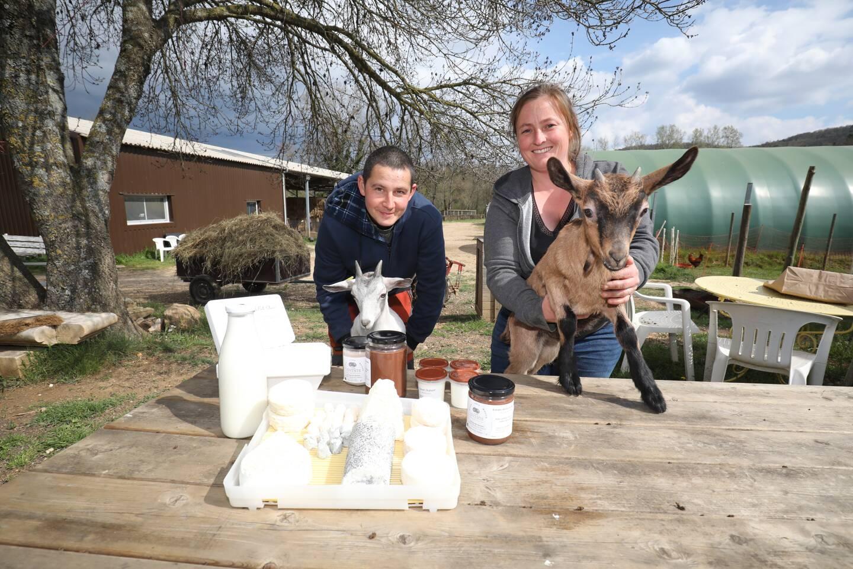 Rudy et Camille Michel ont trouvé leur bonheur dans leur ferme des Jovents à Saint-Martin-de-Pallières.