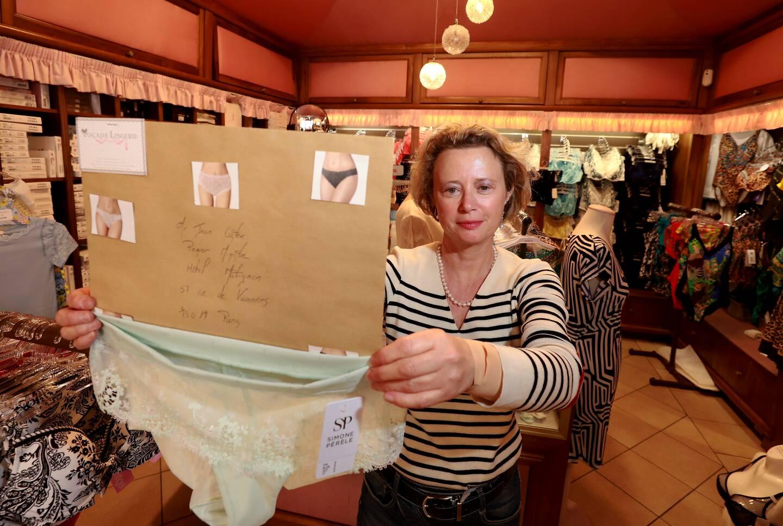 """Christelle Montigny, gérante de Tocade Lingerie à Cagnes-sur-Mer, a participé à cette """"action symbolique"""" en envoyant une petite culotte"""