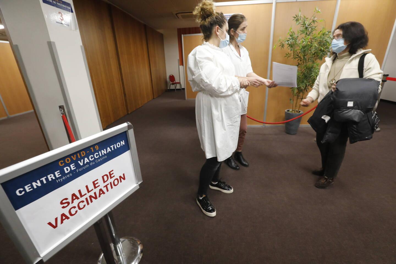 À partir de lundi, la capacité du centre de vaccination de Hyères sera portée à 650 personnes chaque jour contre 500 actuellement.
