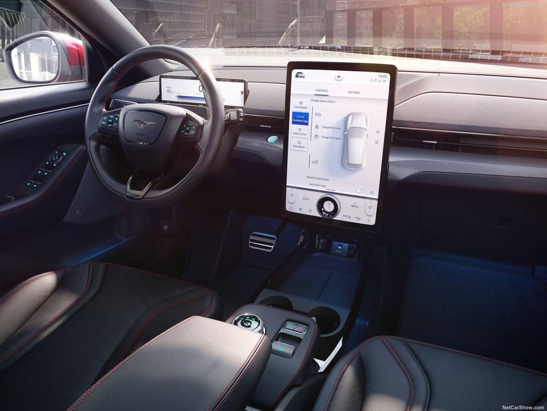 La tablette XXL façon Tesla impressionne