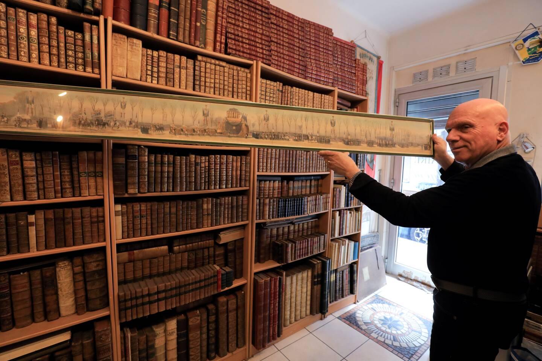 Rendez-vous à la librairie de l'Agora à Antibes pour découvrir la collection.