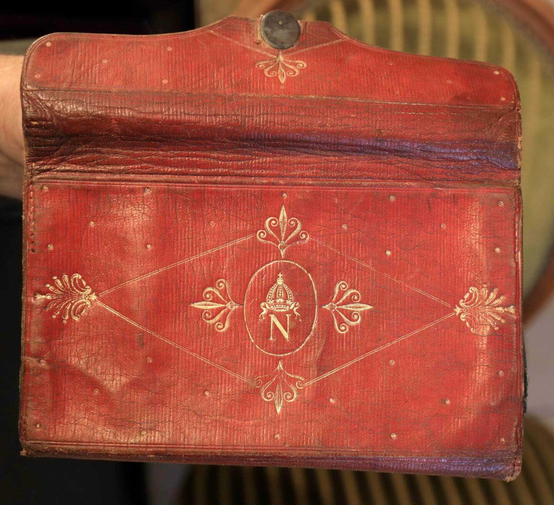 Voici le portefeuille de Napoléon!