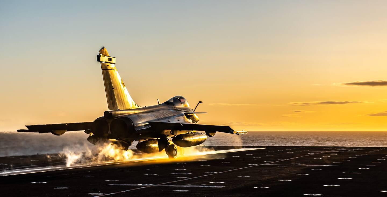 """Six """"marques filles"""", mettant en avant l'aéronavale, les forces sous-marines, et même le Bagad de Lann-Bihoué, devraient être développées conjointement. (Photo DR/Marine nationale)"""