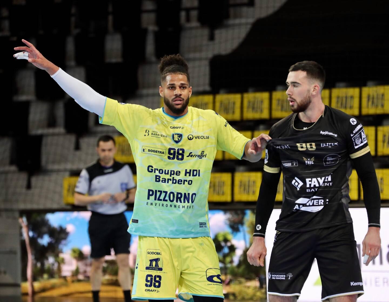 Timmy Petit (ci-dessus, en jaune, en mars à Aix-en-Provence lors de la 19e journée) a pris de l'ampleur sur les phases défensives du SRVHB cette saison.