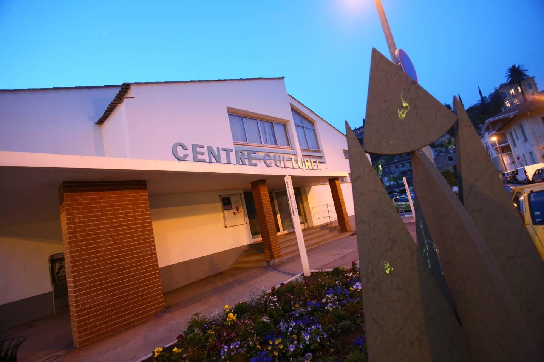 Après une période de flottement, le centre culturel va être repris par ses professeurs. (Photo archives Philippe Lambert)
