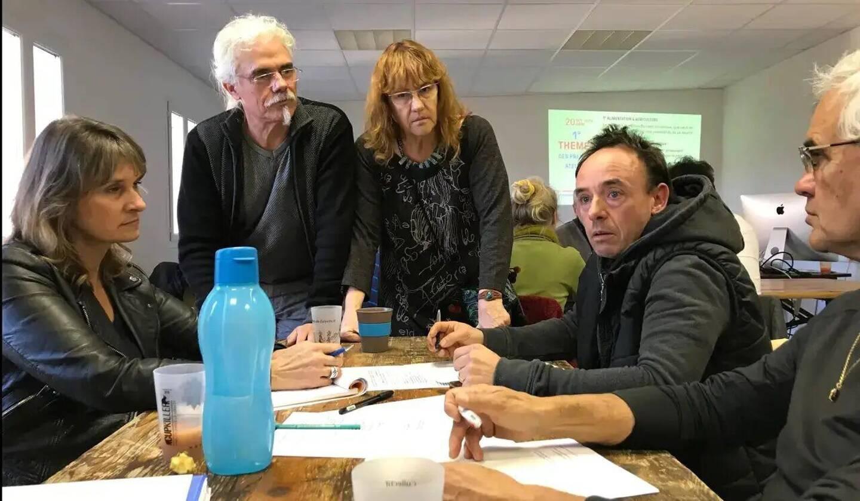 Bruno Bazire (en haut à gauche), l'année dernière lors des ateliers de démocratie participative.